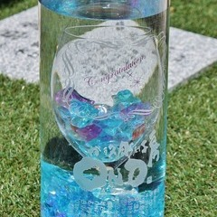 ワイングラスと花瓶のフラワーベース