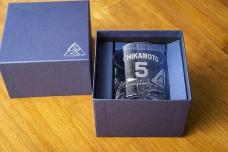 2020 阪神 タイガース 承認 彫刻 グラス 選手 背番号 名入り 限定 贈答 プレゼント ギフト
