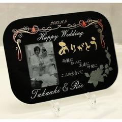 ダークミラー結婚写真彫刻・バラ2段彫り(記念碑)A4楕円形高級化粧箱、スタンド(角度調整可能)付き